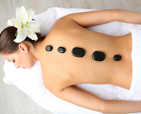 hot stone massage | massaggio con pietre calde | centro estetico | mamasun