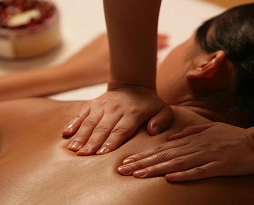 massaggio schiena | trattamento corpo | massaggio schiena | centro estetico | carpi | mamasun