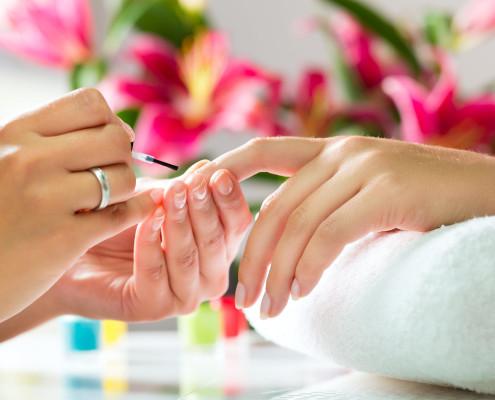 manicure | pedicure | piccola estetica | carpi | mamasun