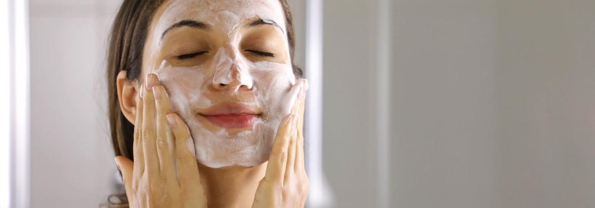 Pulizia del viso. Perché è importante?